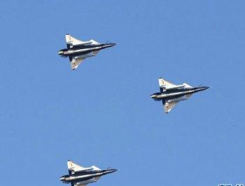 中国空军八一飞行表演队开赴俄罗斯