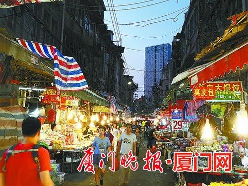 记者走访市场发现,海产品价格稳定.