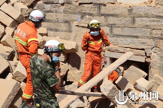 【转载】泉州惠安山霞一村民拆房时房子坍塌两工人被压身亡