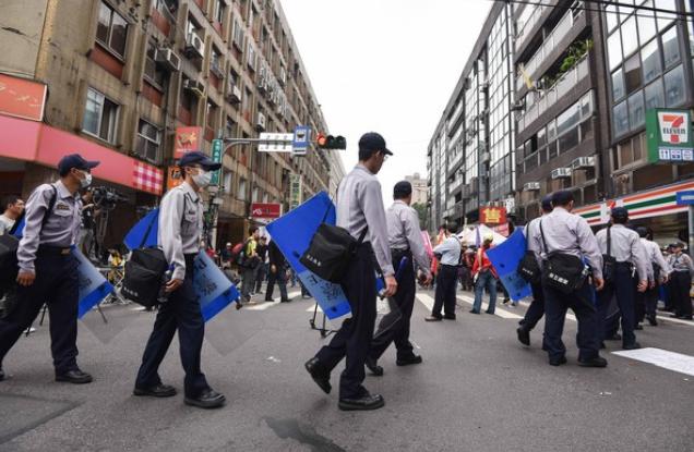 50位派出所所长慌忙拒绝升职 台湾警察究竟在