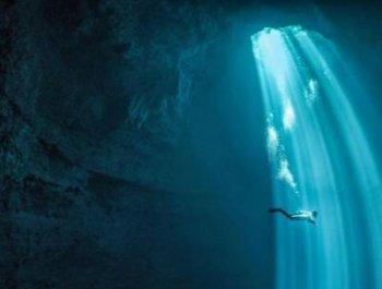 探秘世界最大水下洞穴