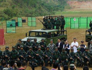 解放军驻港部队举办军事日活动