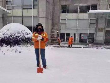 大雪后,一个环卫工的最后48小时……