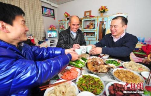 中国人每年必吃的这顿饭 承载多少故事与情感?(2)