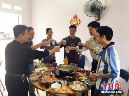 中国人每年必吃的这顿饭 承载多少故事与情感?(3)