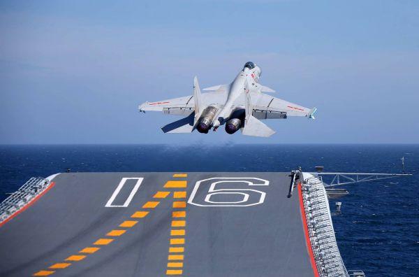 中国首艘航母辽宁舰或加装电磁弹射器【组图】