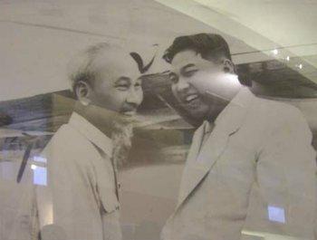 朝鲜领导人两次途经中国访问越南