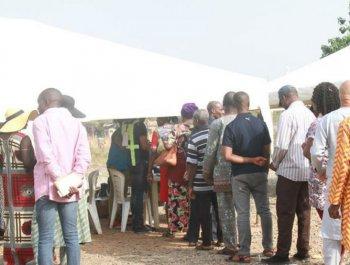 尼日利亚举行总统选举