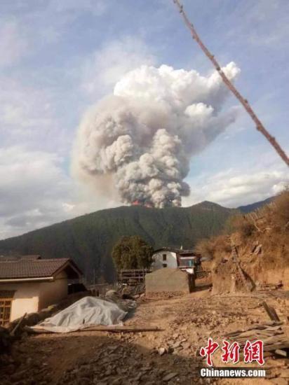 消防官兵回忆木里火灾爆燃瞬间 现场腾起五六十米高蘑菇云