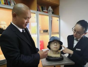 入殓师王刚:用3D打印技术重塑遗容