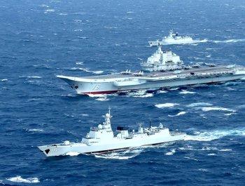 """中国海军""""神盾天团""""亮相阅兵"""