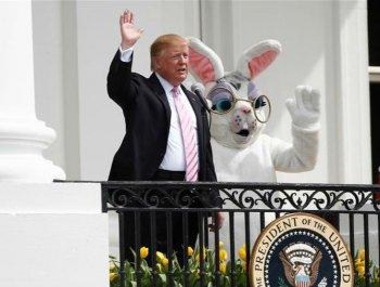 """白宫举行复活节""""滚彩蛋""""活动"""