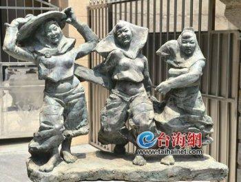 古朴大社遇创意雕塑别有风味