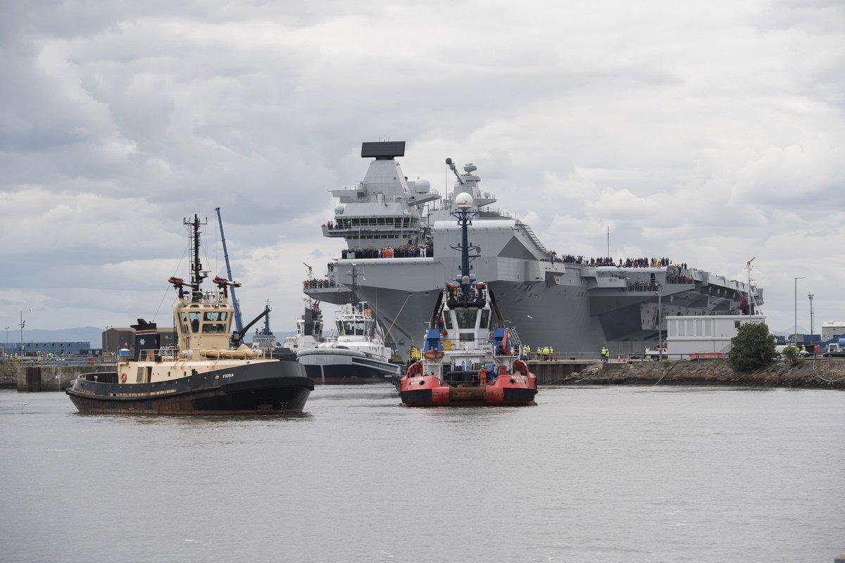 英国新航母又漏水了哈文晒女儿卖萌 200吨海水涌入舰员险些溺亡