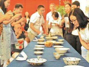 德化青花瓷入藏國博