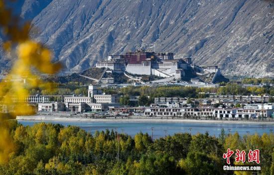 西藏经济连续26年保持两位数增长