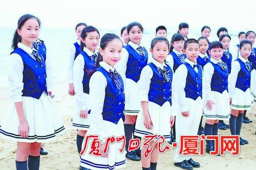 """校园燃起国旗红 厦门市学校师生创新爱国""""打开方式"""""""