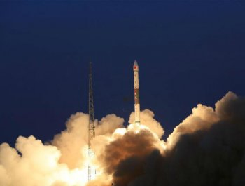 中国成功发射全球多媒体卫星系统α阶段A、B卫星