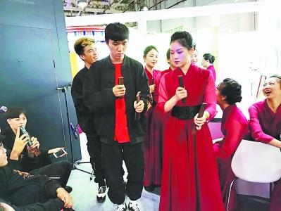古老南音联袂新潮街舞 厦门南乐团与台湾街舞舞者首次合作表演