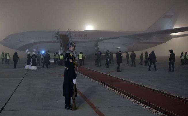 """艺高人胆大!大雾高湿条件下,普京专机""""盲降""""机场"""