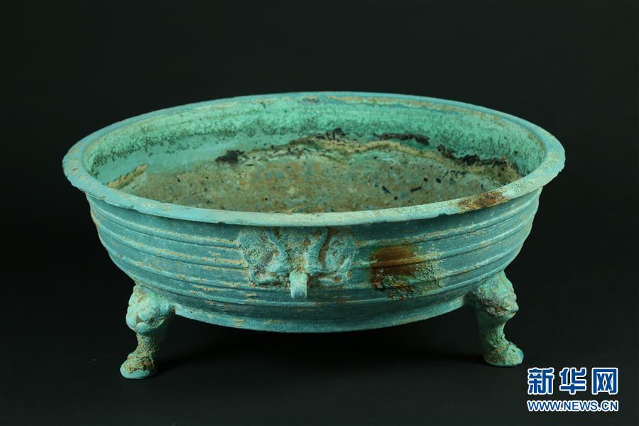 南昌发现罕见大型六朝墓群 出土700余件遗物