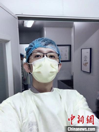 """台湾志愿者刘重熙:没想到志愿者名额要""""抢"""""""