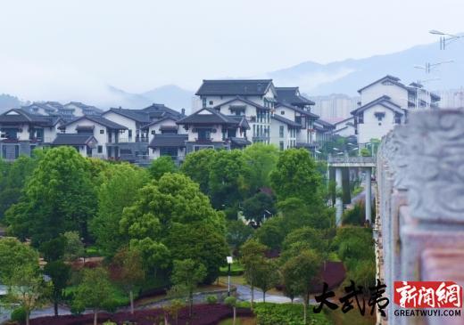 """四月里的武夷新区很画意 犹如""""烟雨江南"""""""