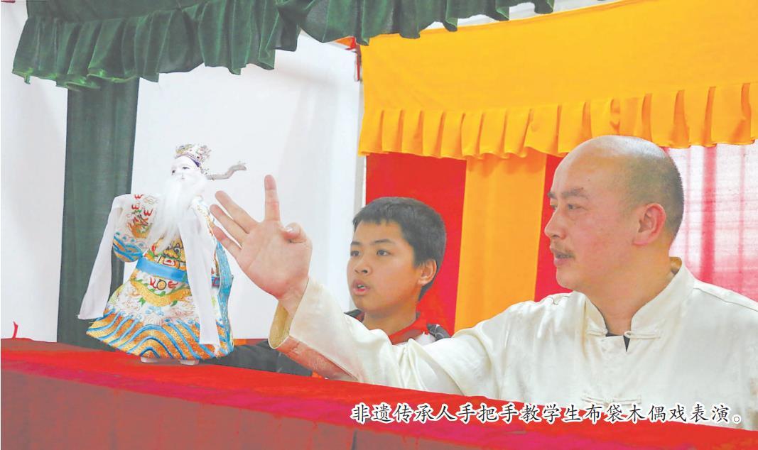 漳州学校开设非遗文化社团 为孩子们打开了一扇窗