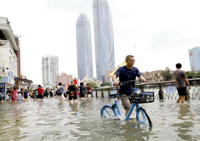 天文大潮持续 厦门沿海低洼区海水倒灌