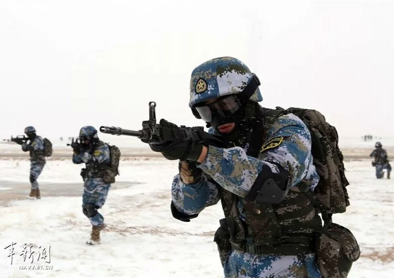 大海就是練兵場,也是我海軍陸戰隊的戰場!