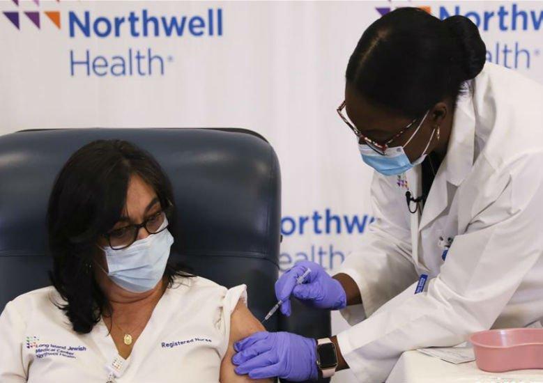 新年疫情全球蔓延 疫苗接种带来曙光
