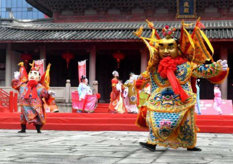 海峡两岸民俗文化节在福州举行