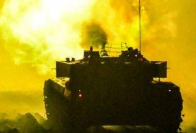 装甲车跨昼夜战斗