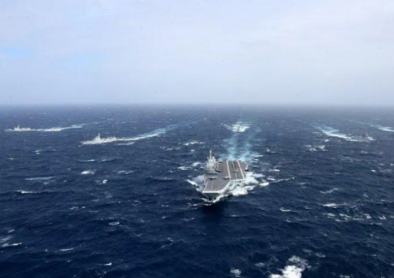 在台海附近训练的辽宁舰编队,火力有多猛?